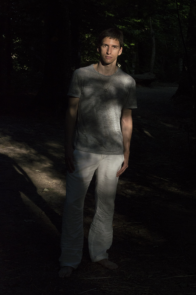 Nicolas wearing a linen t-shirt by Zara and linen pants by H&M