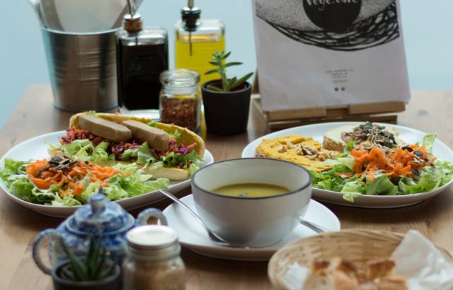 Lausanne City Guide, Episode 4  – Végé Café