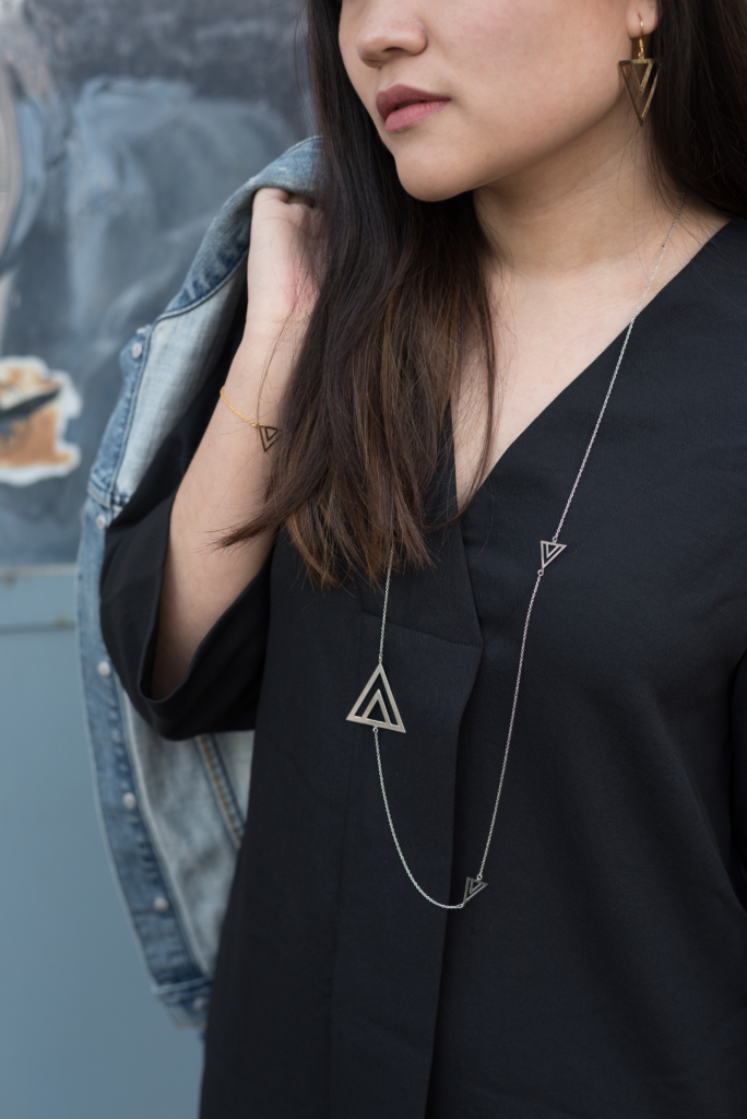 Details: pyramid set by Shaï worn by Claire Ketterer