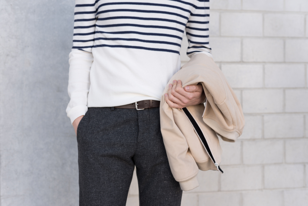 Details: reversed jersey sweater and grey wollen pants by Solstice