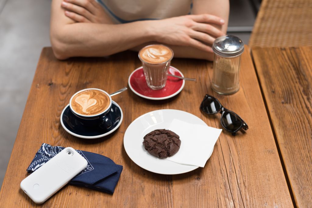 Flat White, Mochaccino and homemade chocolate cookie at Café Ex Machina