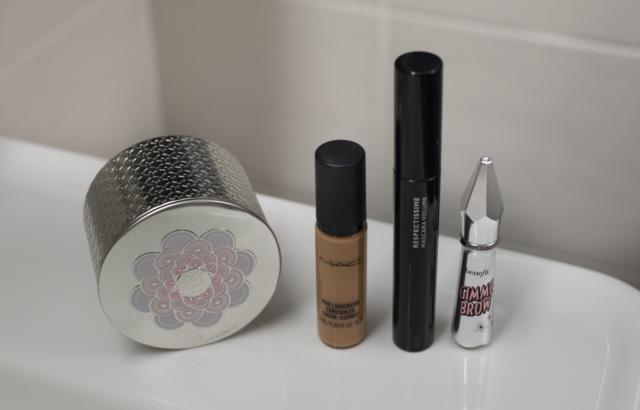 """Essentials For """"No Make Up"""" Days"""