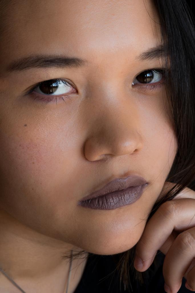 Claire Ketterer wearing the lipsticks Les Chocolats by L'Oréal