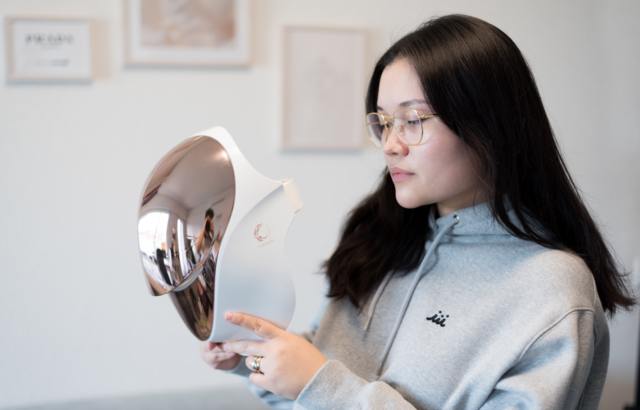 Beauty Must-Have: Cellreturn Platinum LED Mask
